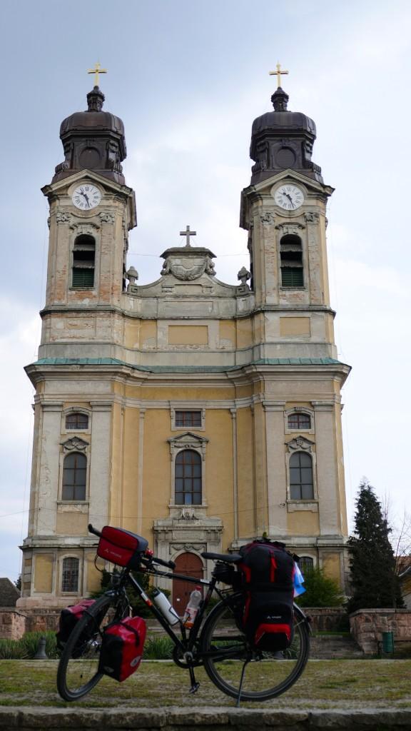 Iglesia de Tata