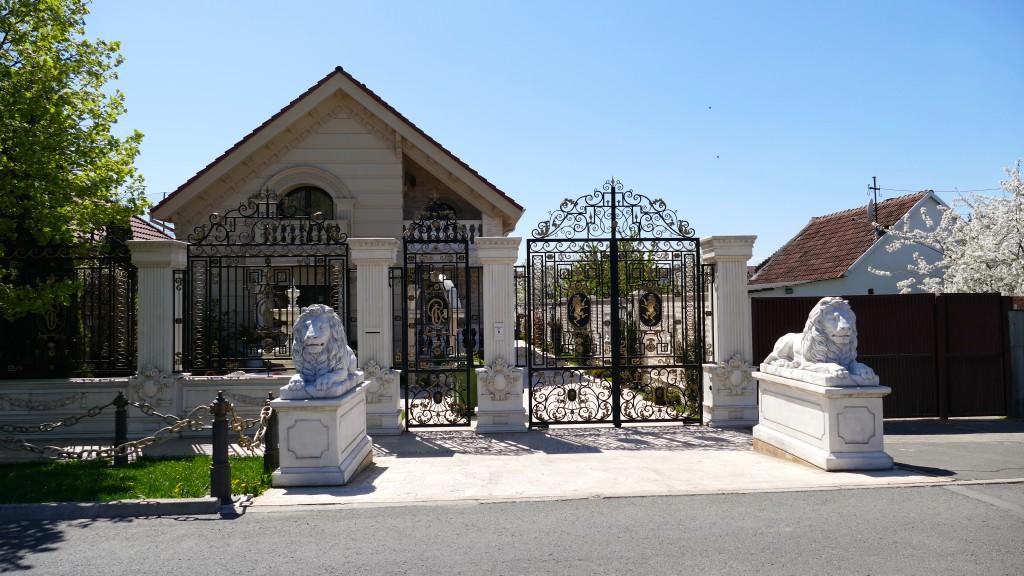 Zigeuner Villa in Arat
