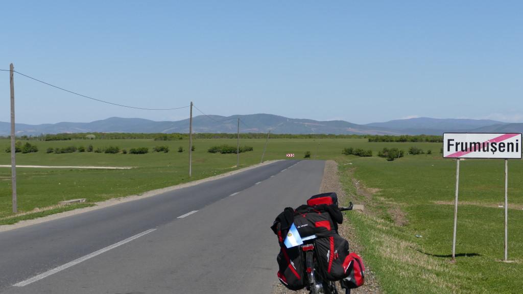 am Horizont die ersten Ausläufer der Südkarpaten