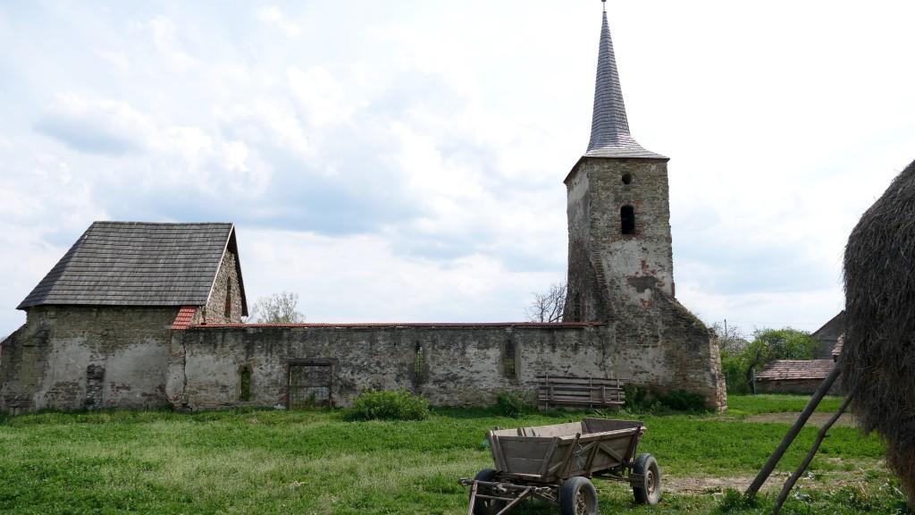 Antigua iglesia evangélica en estilo Gótico de Transilvania del siglo XIII