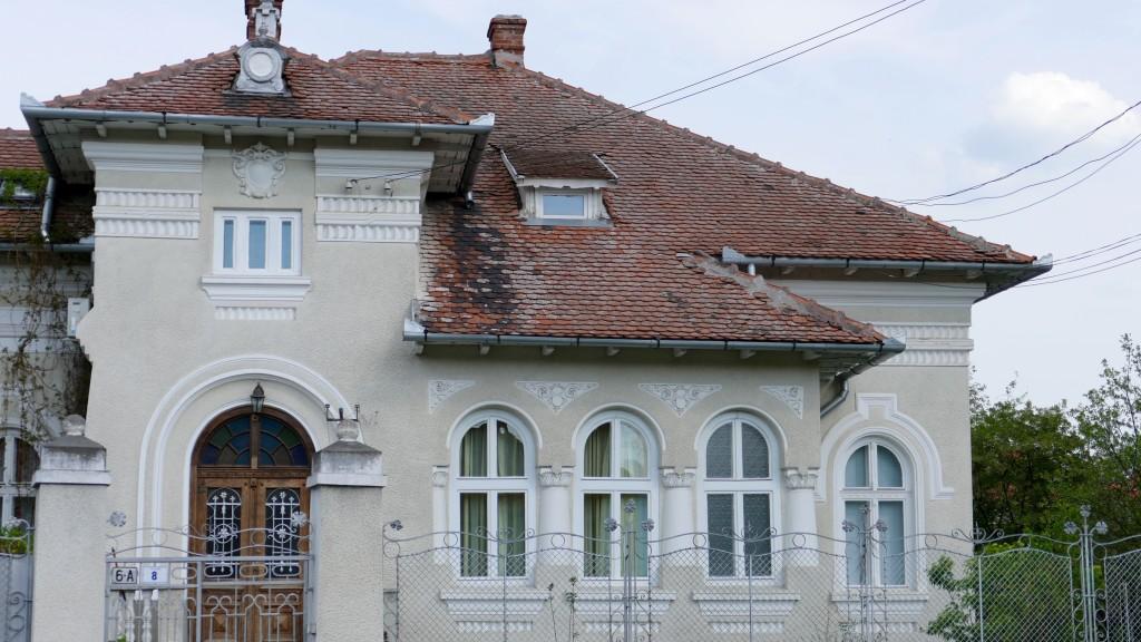 A nice Villa, entering Alba Iulia