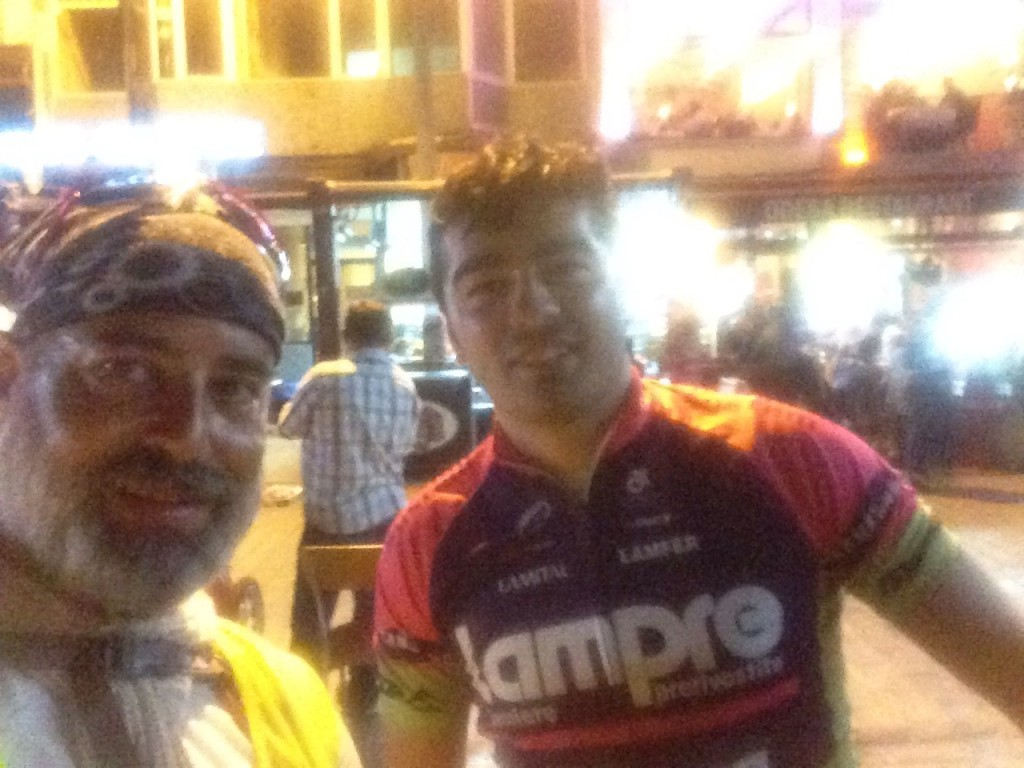After totally 1190 meter climbs, 100 km, i finally arrived to Eminönü in Istanbul. Yilmaz, a cyclist from Istanbul lead me safe through the city and traffic until the ferry boat. Thank you Yilmaz