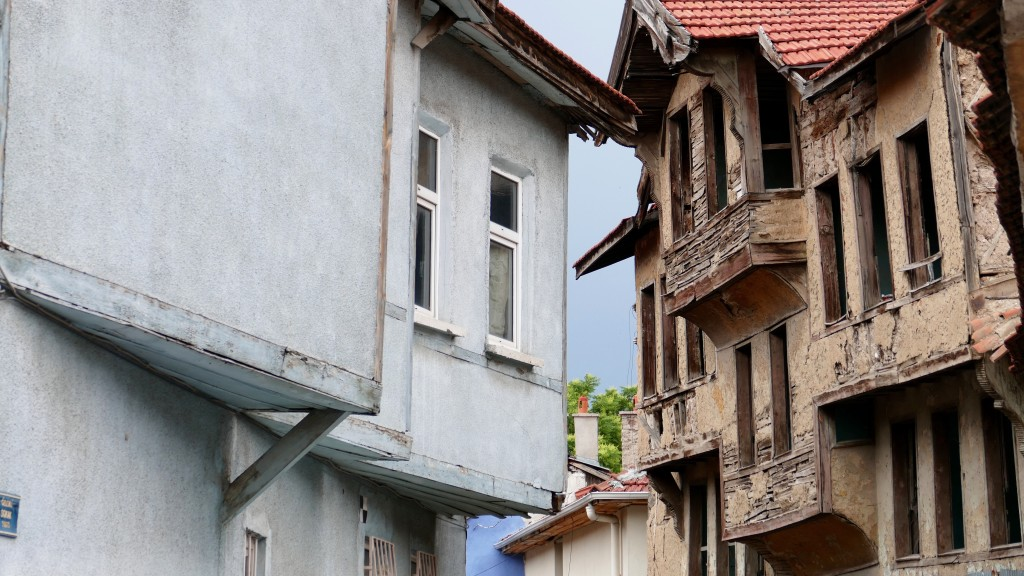 "Old houses in Odunpazarı (literally ""wood market"" in Turkish), Oqdunpazari is a metropolitan district of Eskişehir"