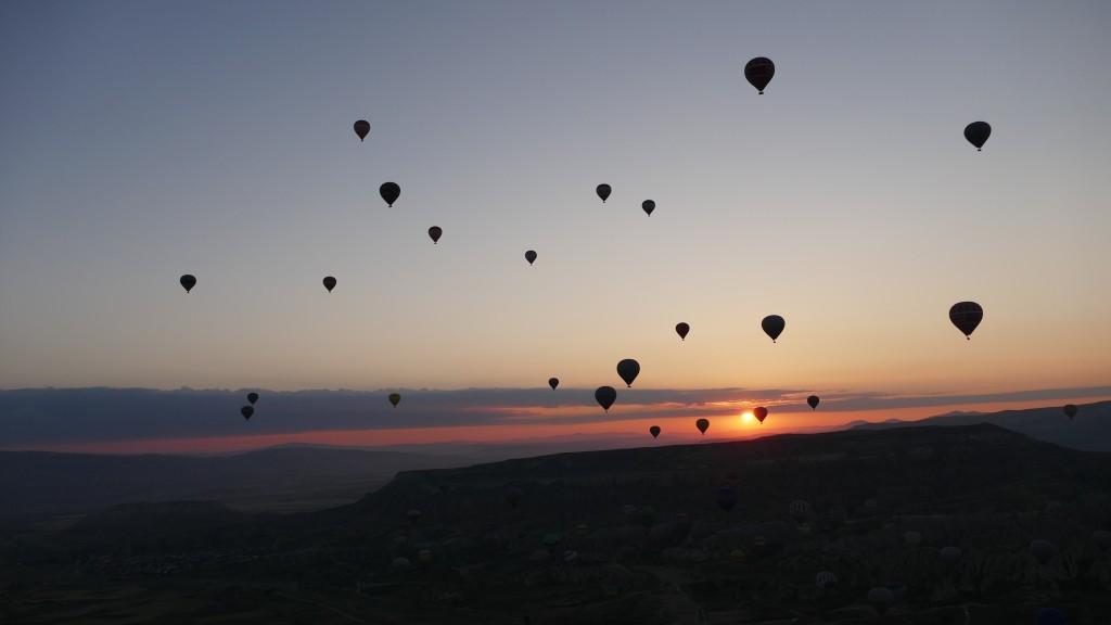 Sunrise. Ballooning in Göreme, Kapadokya