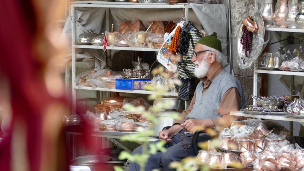 the salesman in Tashan Inn (Caravanserai )