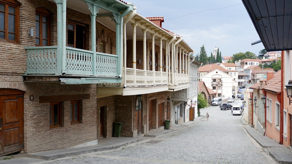 As of the 1770 census, Sighnaghi was settled by 100 families, chiefly craftsmen and merchants. When Georgia was annexed by Imperial Russia in 1801, Sighnaghi (Signakh) was officially granted town status and became a centre of Signakh uyezd