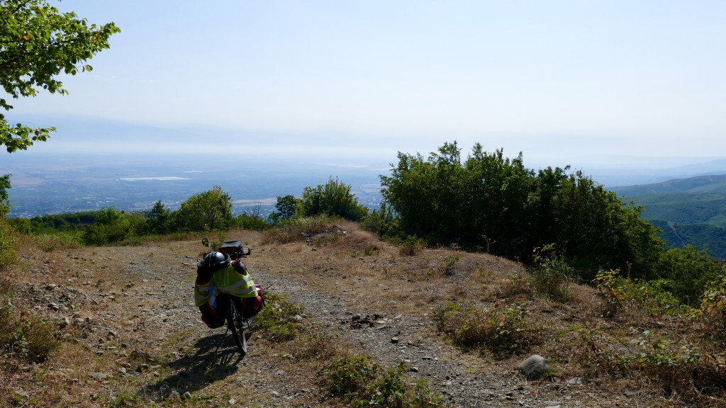 behind me on top of a mount, Sighnaghi. In front the valley. The path ends here. Don't believe your GPS