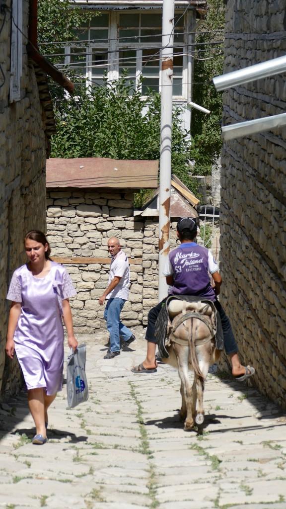 the narrow streets of Lahic